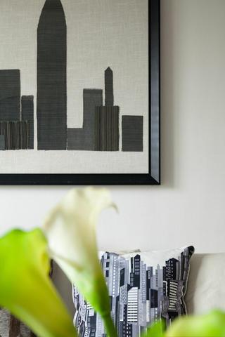 现代简约风三居室装修装饰画图片