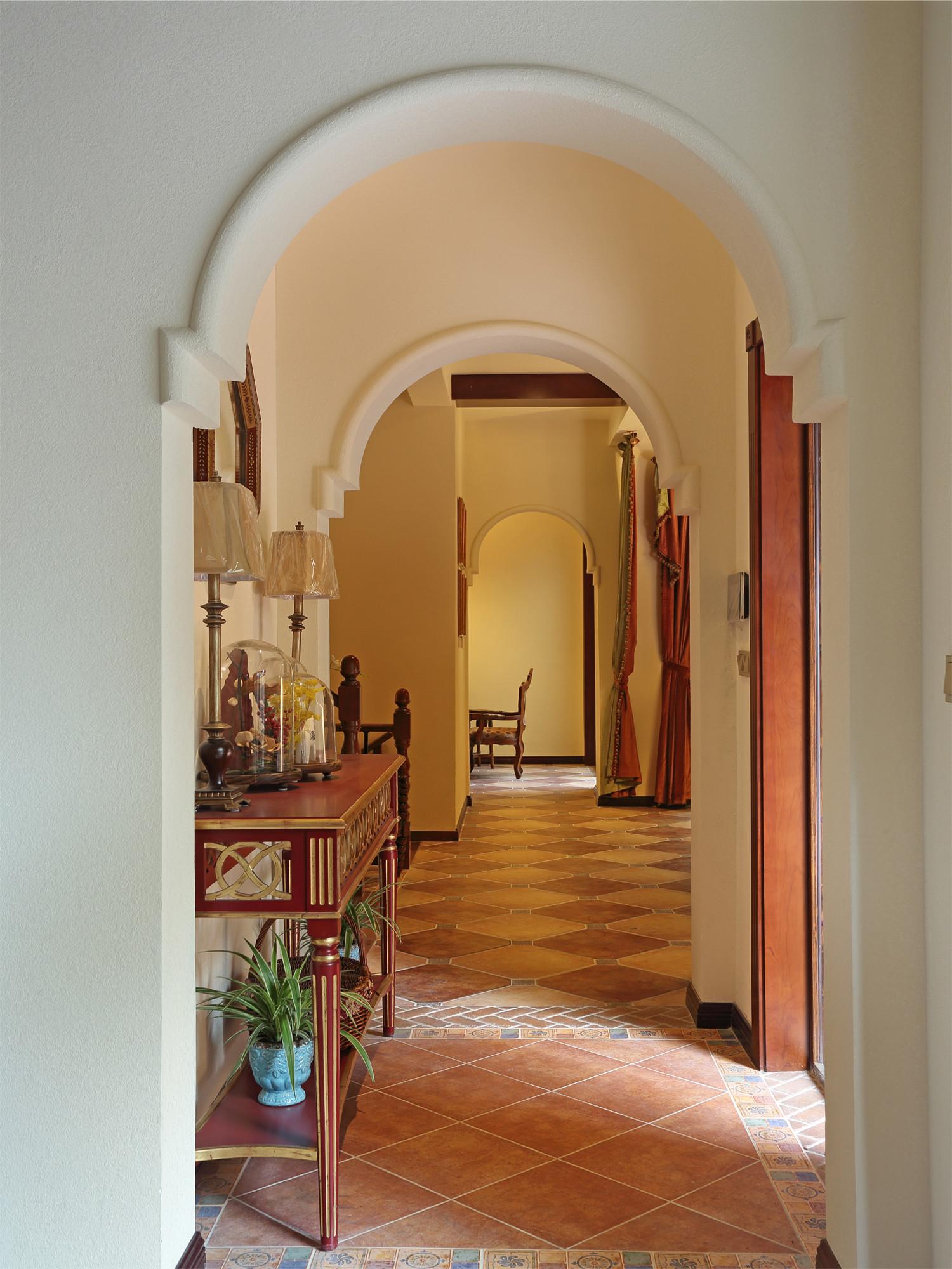 混搭风别墅装修玄关走廊