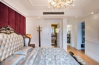 新古典混搭二居装修床头软包图片
