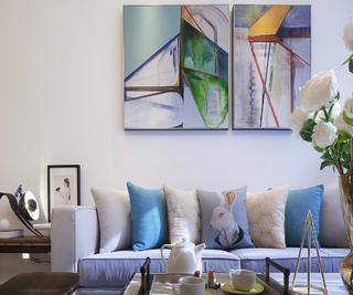现代简约风格三居沙发抱枕图片