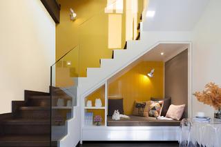 大户型现代风格家楼梯间设计