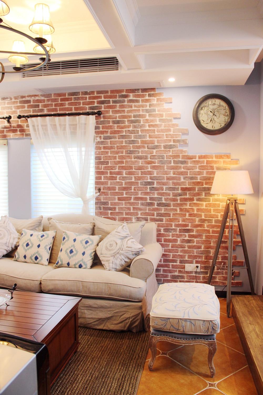 85平美式小跃层装修沙发背景墙图片