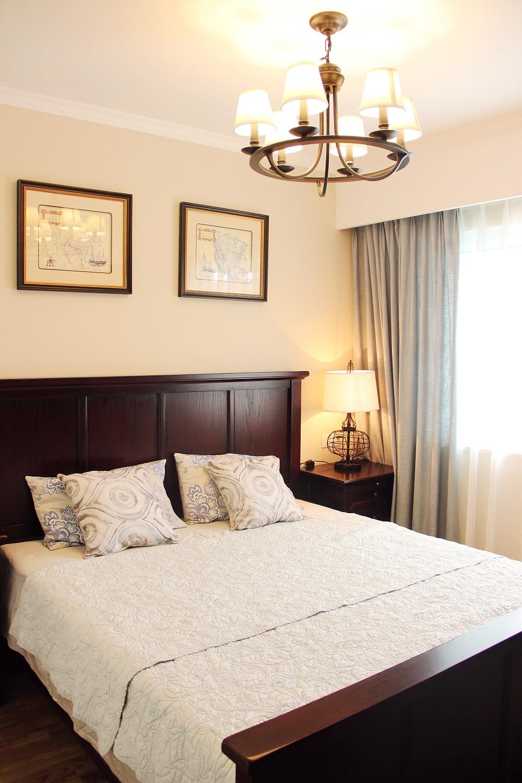 85平美式小跃层装修卧室设计图