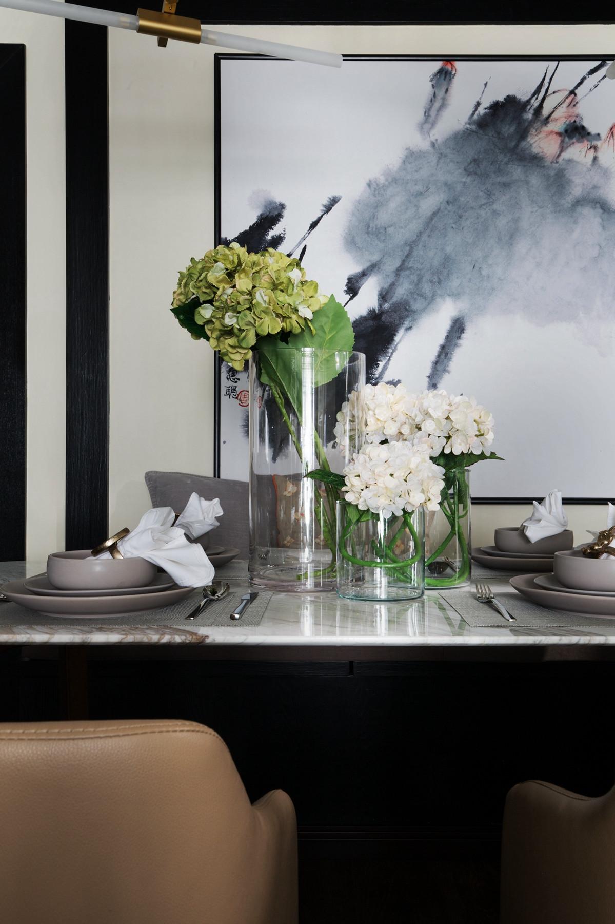 105平现代英伦风格家餐桌摆件
