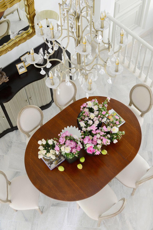 别墅混搭装修餐桌花束装饰