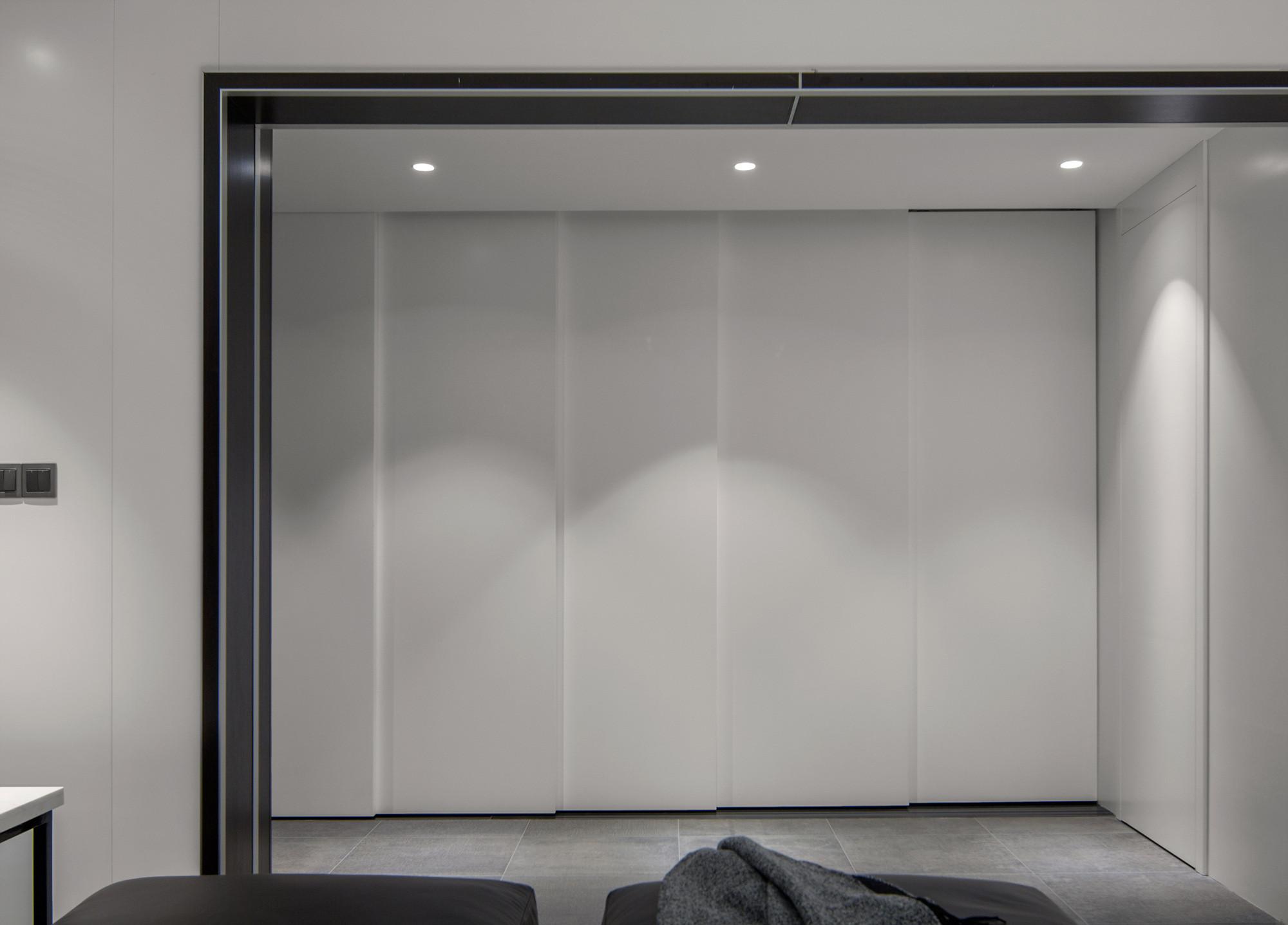 160平现代装修隐形门设计