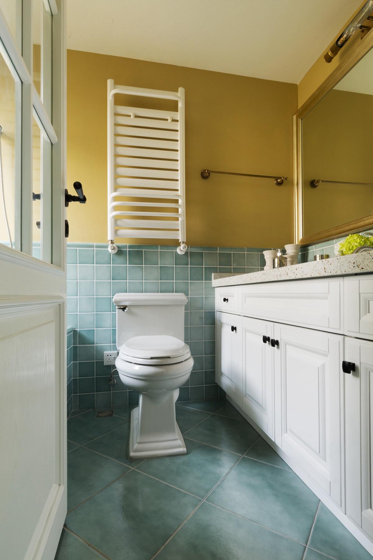 美式风格三居之家卫生间装潢图