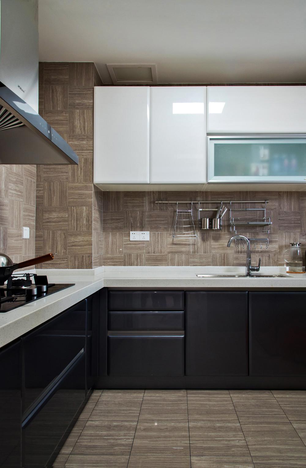 170平简约装修厨房搭配图