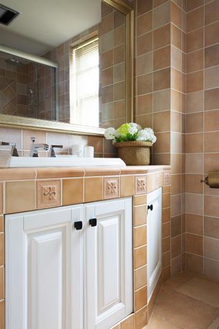 美式风格三居之家洗手台图片