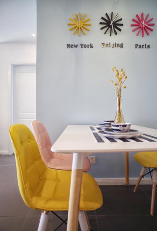 二居室北欧风之家餐桌椅图片