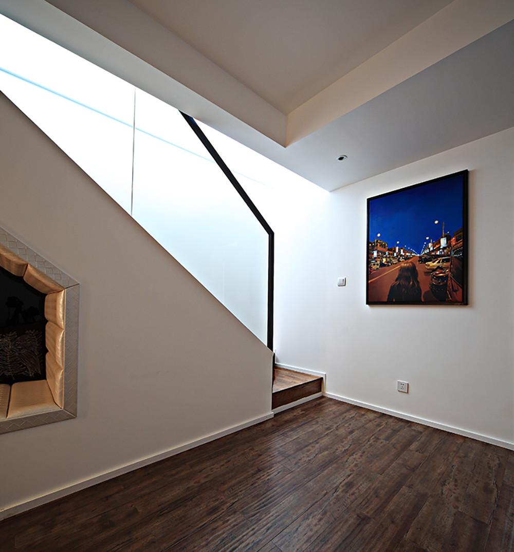 现代复式装修楼梯间图片