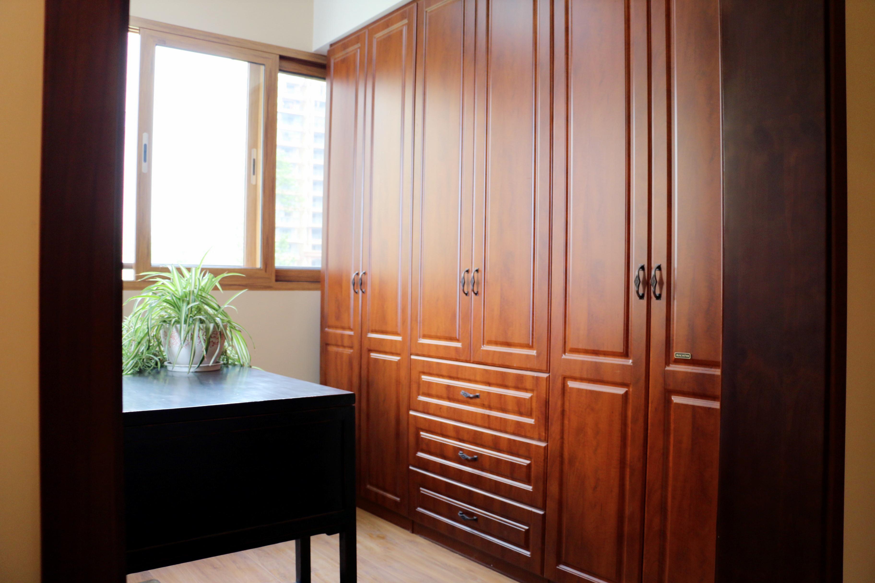 中式风格装修衣柜图片