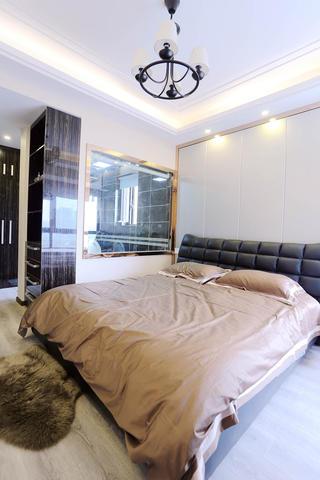 简约风格三居室装修卧室背景墙图片
