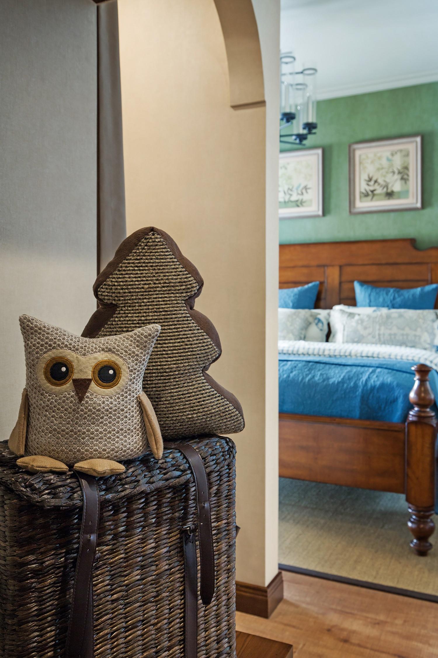 三居室美式风格装修卧室过道装饰