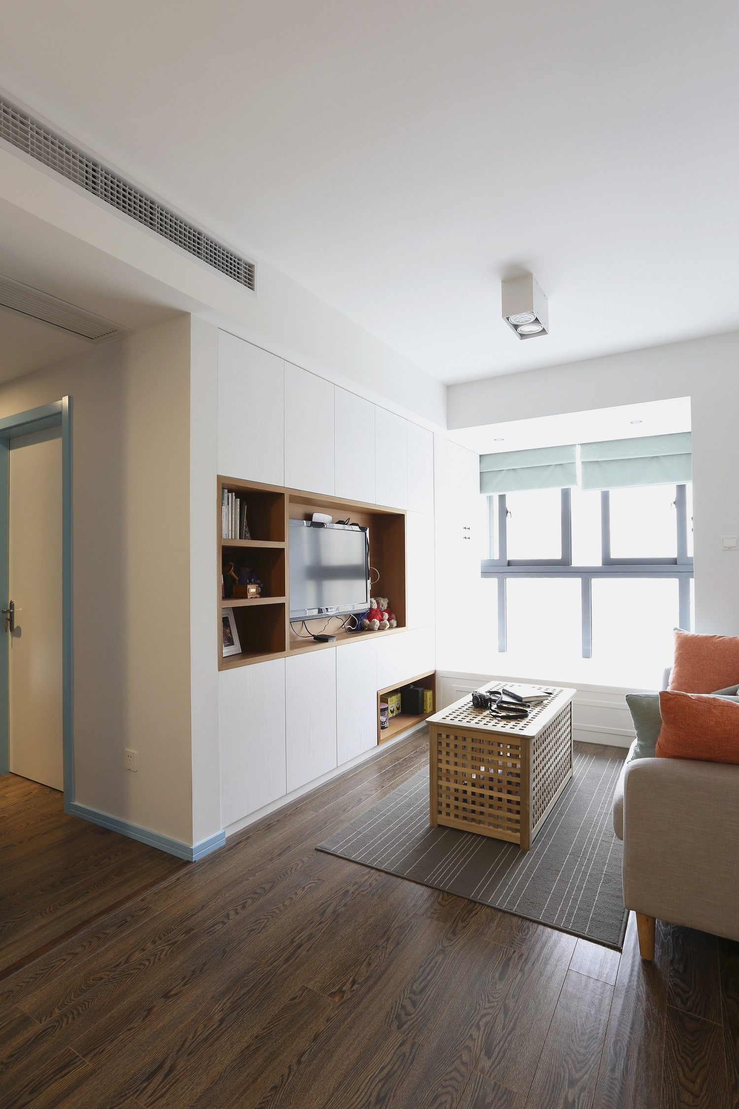 63平小户型之家电视墙设计