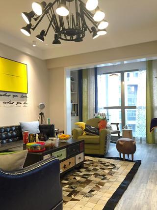 混搭风格二居装修客厅搭配图