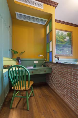 一居室小户型装修卧室工作区
