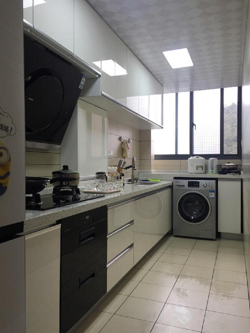 90平北欧风格二居装修厨房构造图