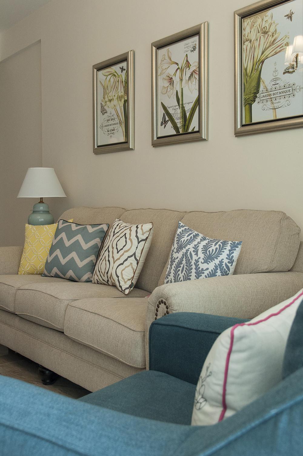 150平清新小美式装修沙发背景墙图片