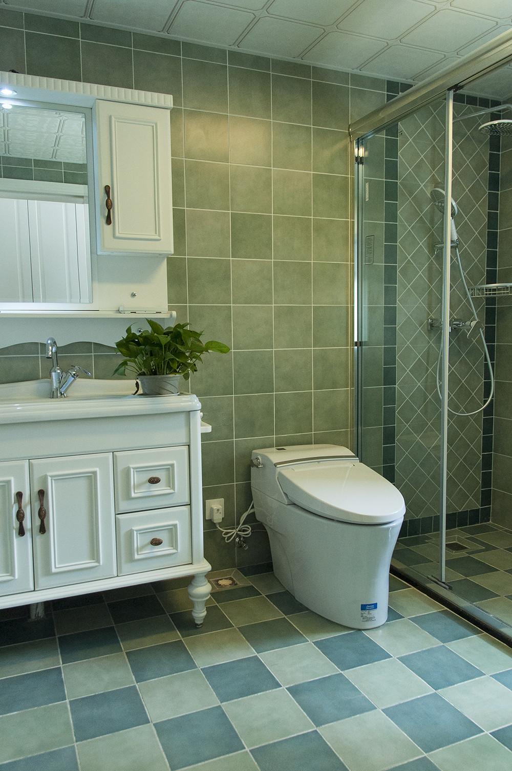 150平清新小美式装修浴室柜图片