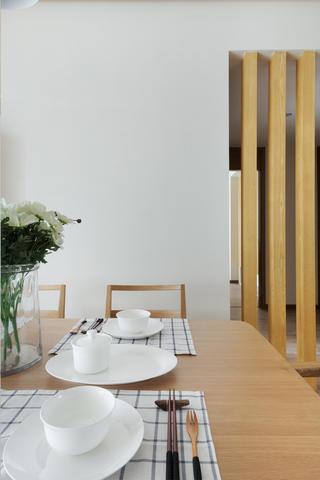 日式三居装修餐具摆件