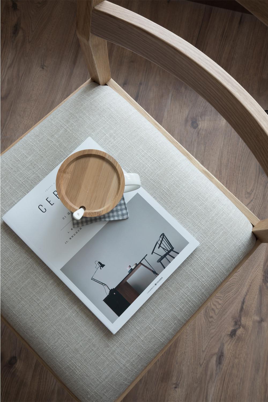 日式三居装修椅子摆件特写