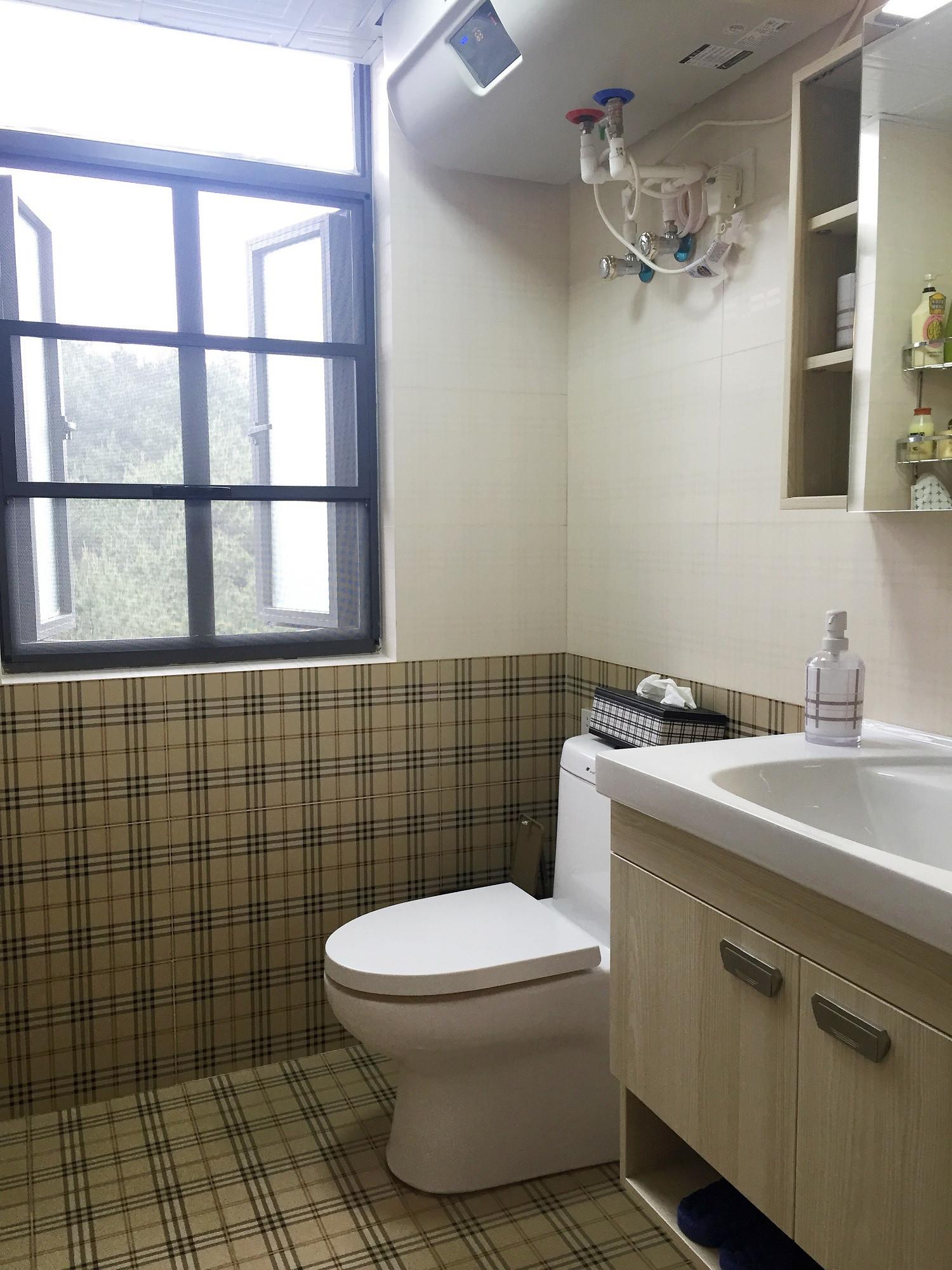 90平北欧风格二居装修卫生间装潢图