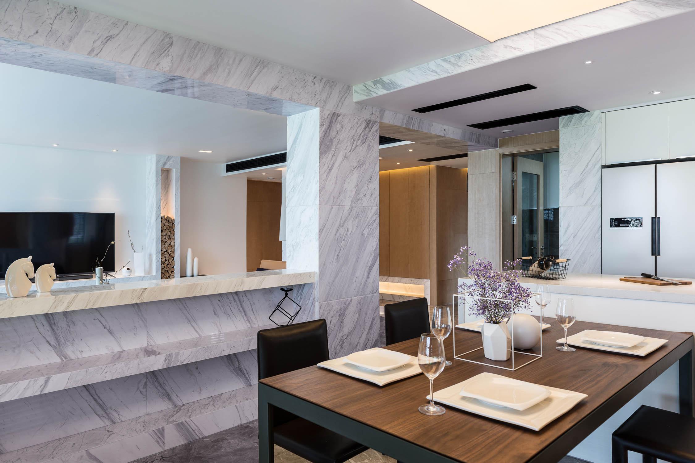 简约风格三居装修餐厅隔断台设计