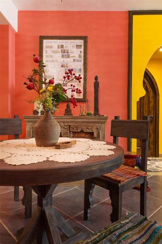 东南亚风格二居餐桌椅图片