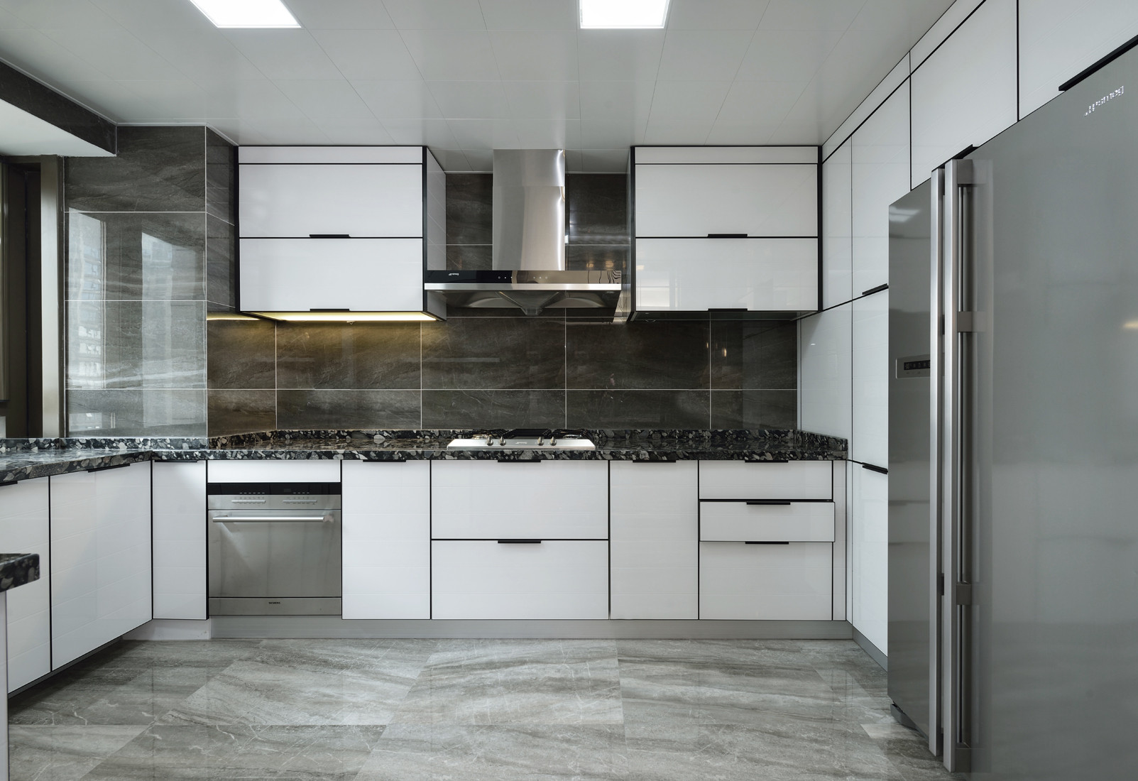 复式简约装修厨房设计图