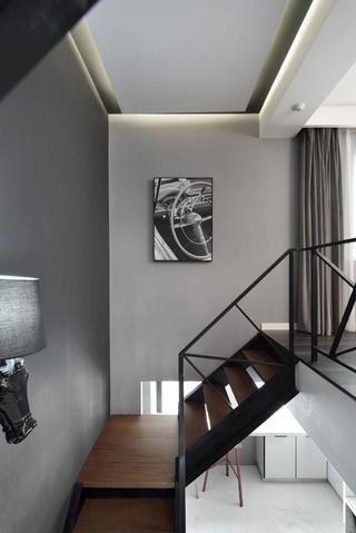 复式简约装修楼梯背景墙图片