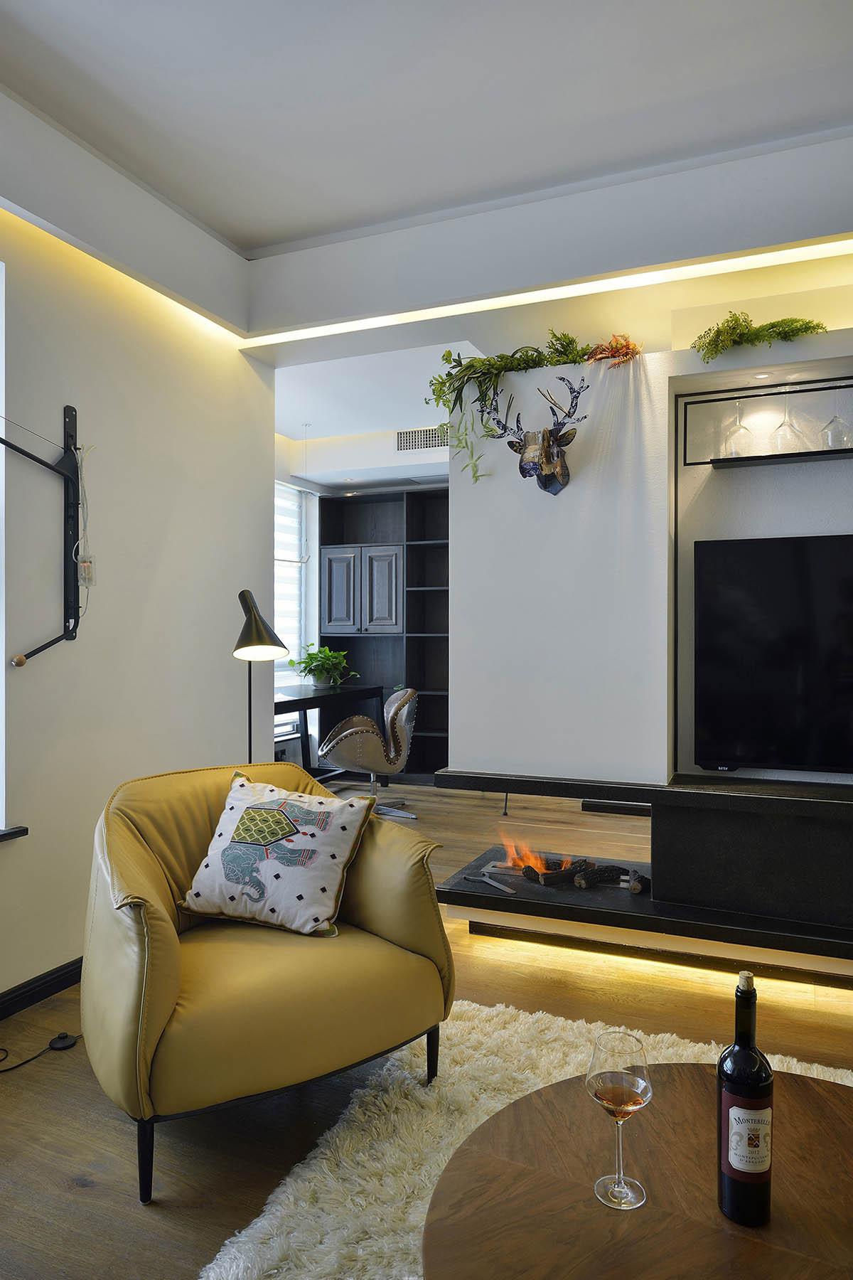 120平三居装修单人沙发图片