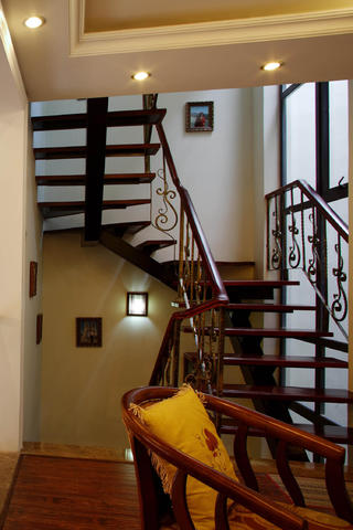 欧美中式混搭别墅装修楼梯图片
