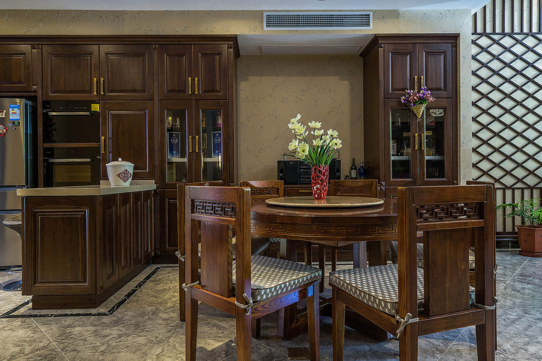 新中式风格别墅装修餐厅效果图