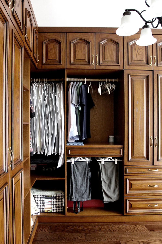 美式风格三居设计衣柜图片