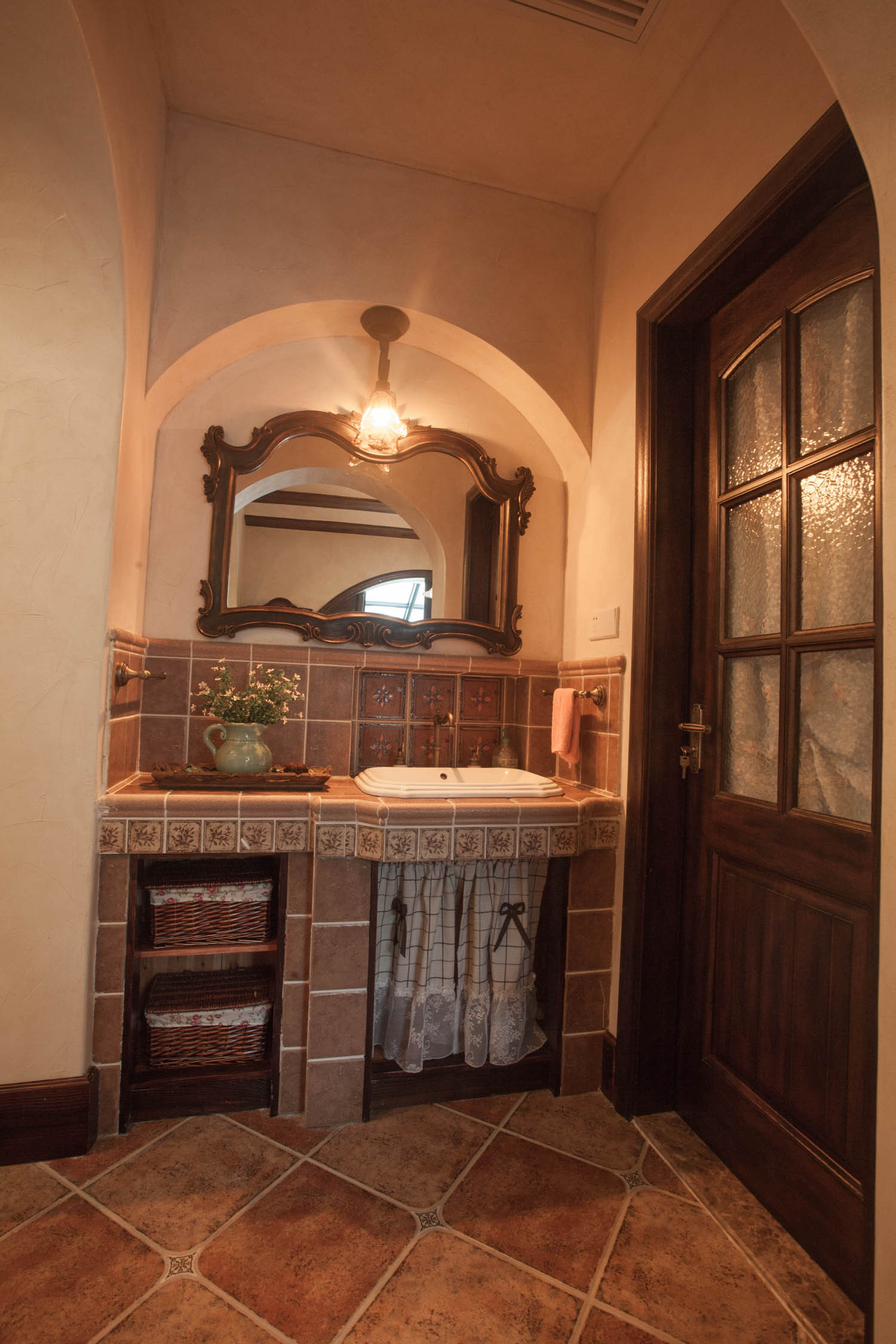美式乡村别墅装修洗手台图片