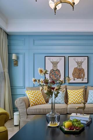 简美二居装修沙发背景墙图片