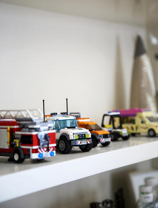 105平美式风格三居装修玩具摆件特写