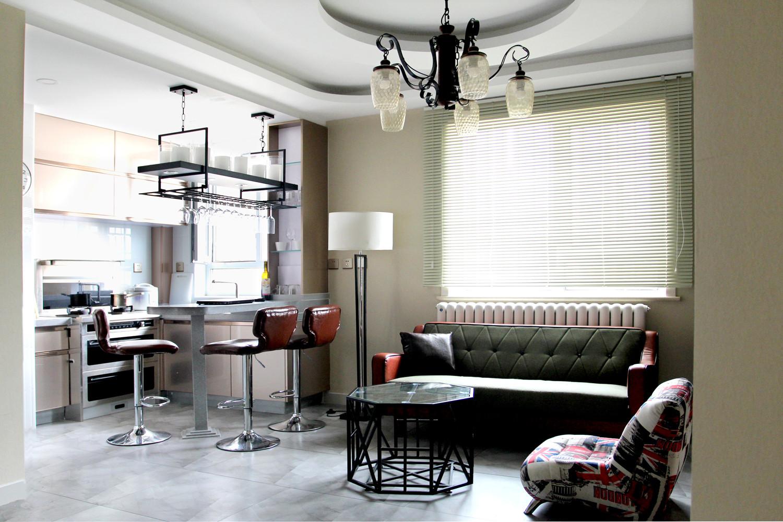 混搭二居装修厨餐客厅一体设计