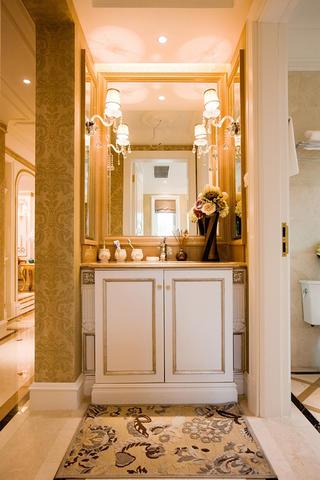 140平法式装修浴室柜图片