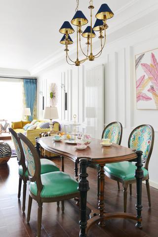美式混搭三居设计餐桌椅图片