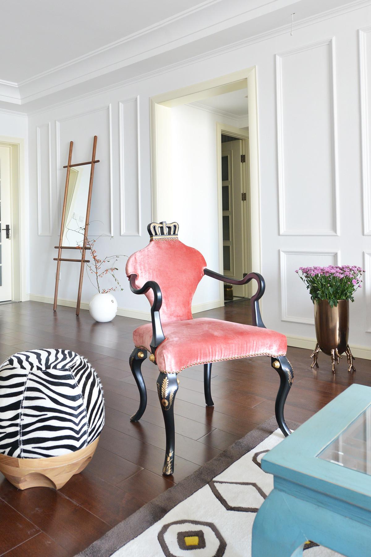 美式混搭三居设计王妃椅图片
