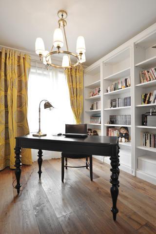 140平美式三居装修书房布置图