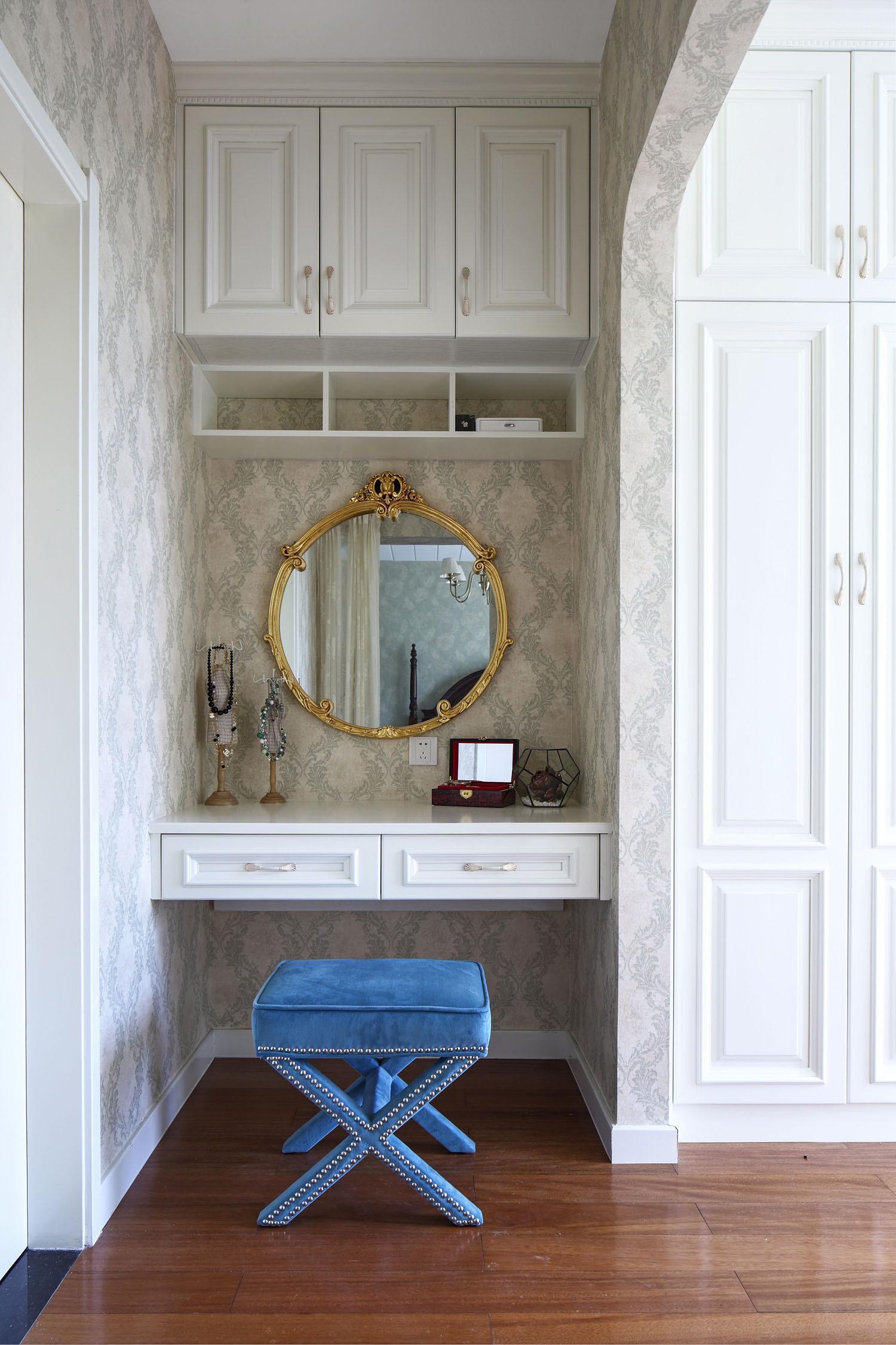 美式风格别墅装修梳妆台图片