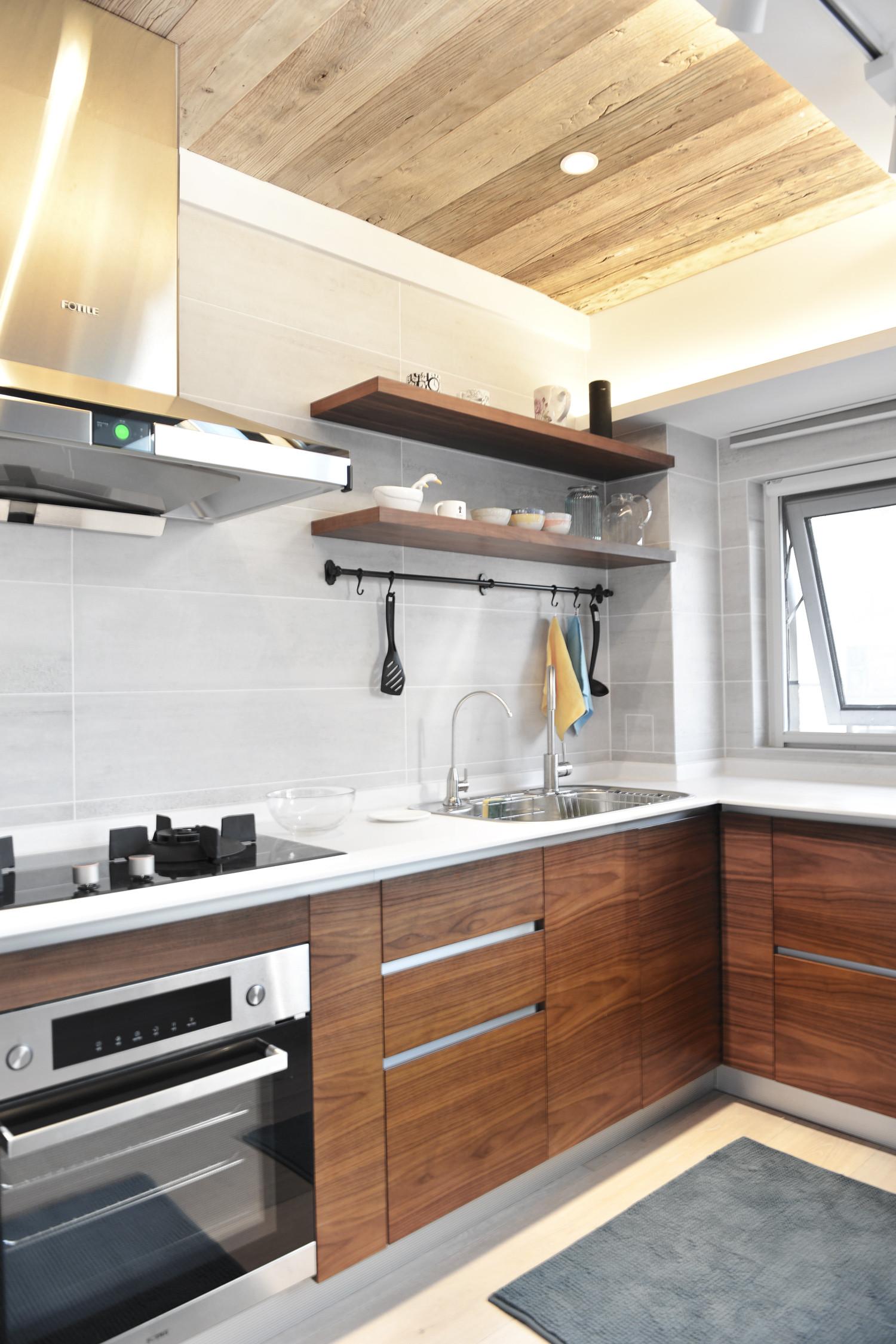 120平北欧风装修厨房吊顶