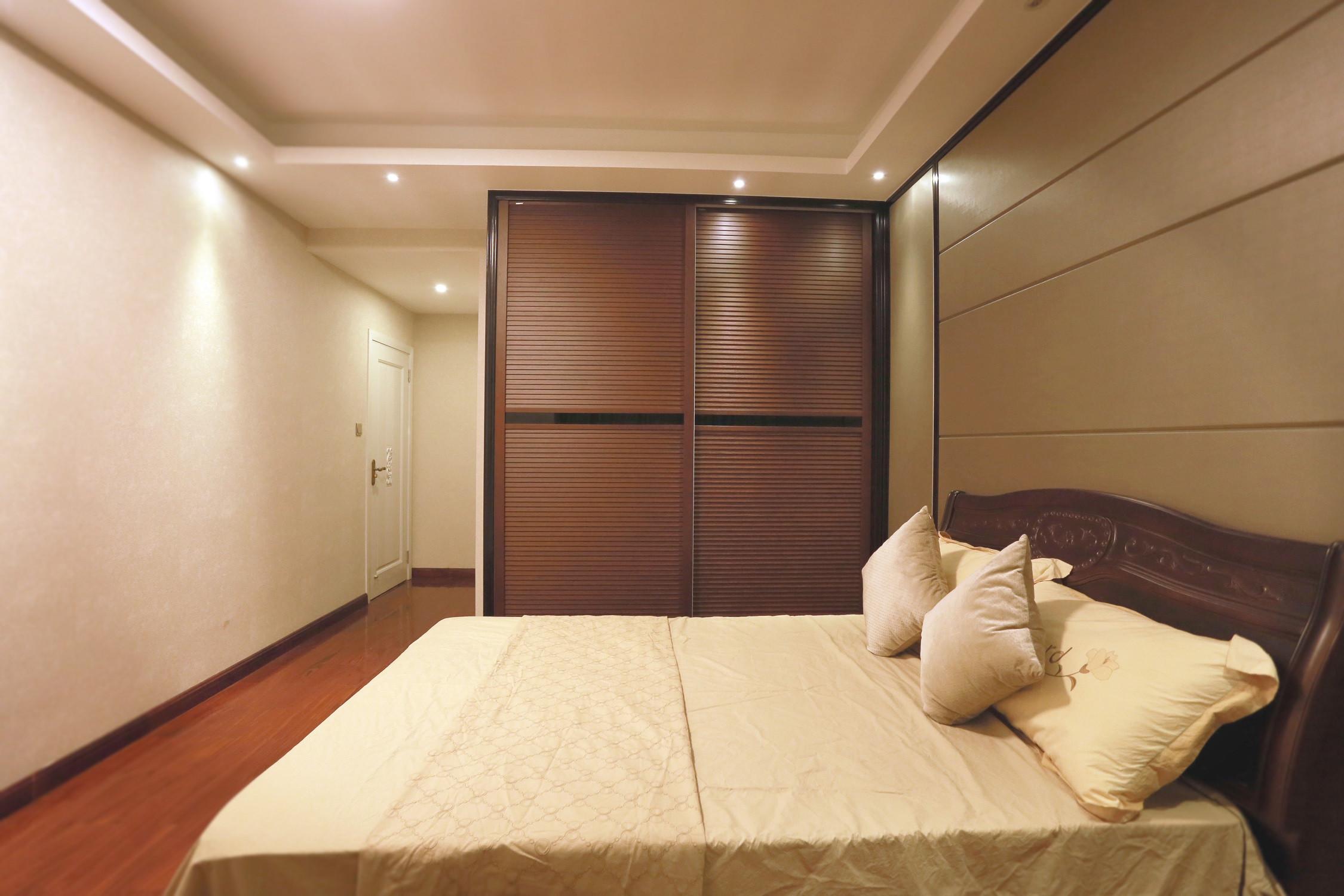 新中式风格三居衣柜图片