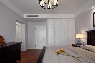 145㎡美式四居室装修衣柜图片