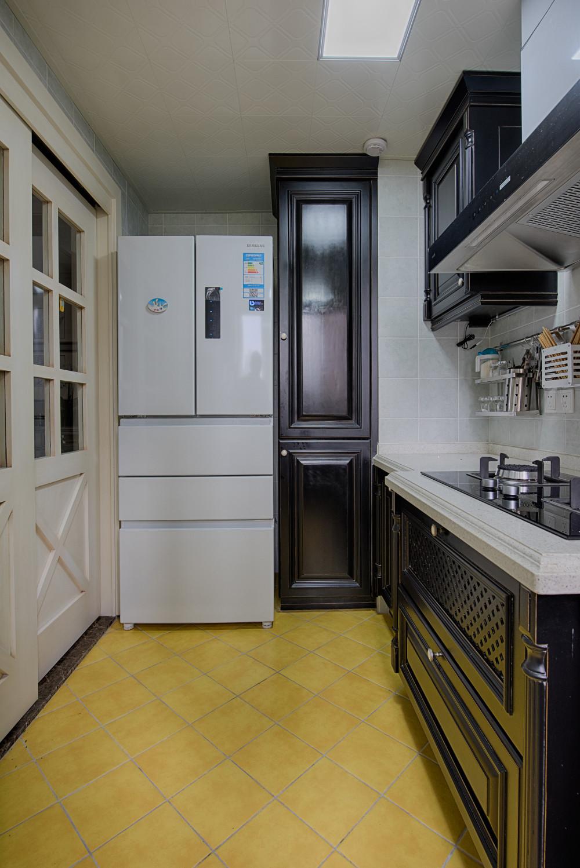 现代美式二居装修厨房搭配图