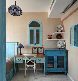 地中海风格复式装修书桌图片