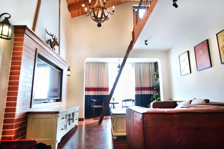 三居室美式乡村家客厅布置图